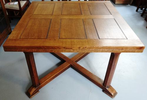 Stanley Webb Davies extending dining table 1