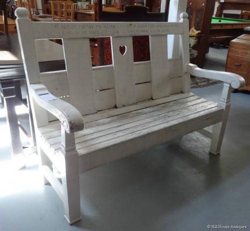 JP White Pyghtle motto garden seat
