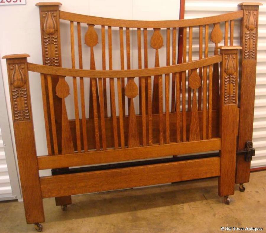 Arts & Crafts Baillie Scott bed