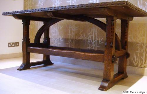 Arthur Romney Green Cotswold table