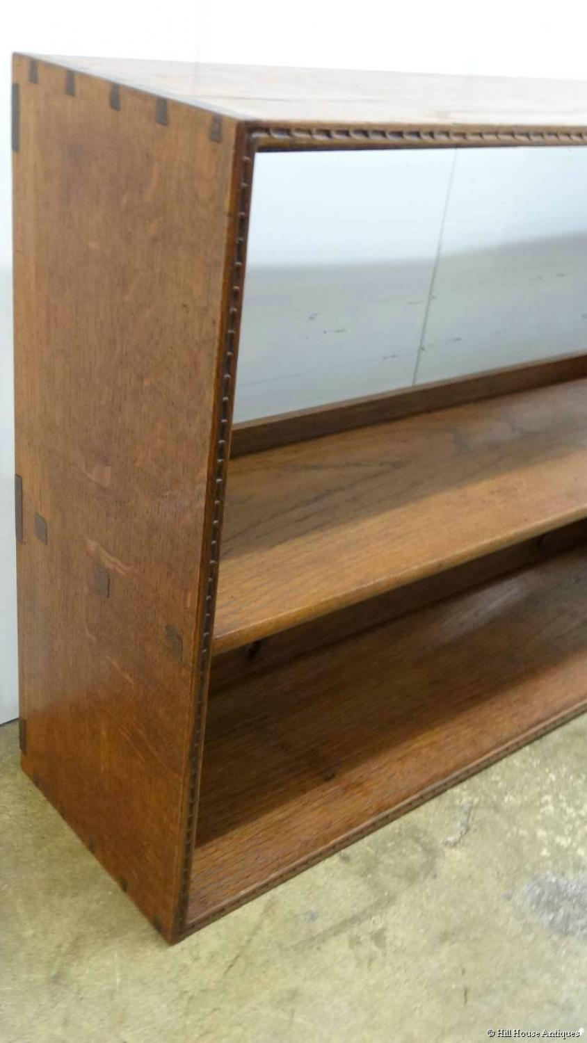 Cotswold School bookshelves Waals