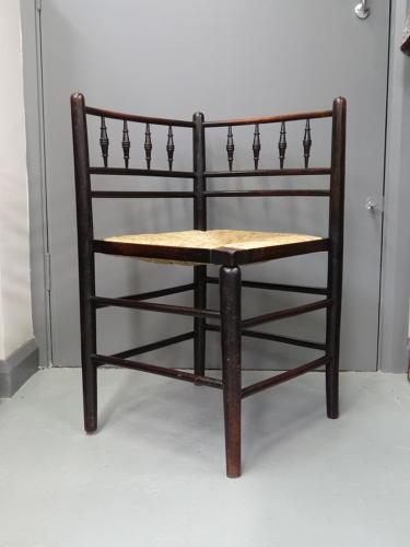 Morris & Co Arts & Crafts corner chair