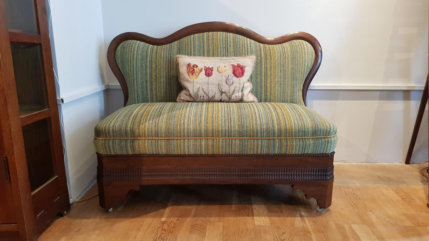 Dutch early 20thC Arts & Crafts sofa banquette