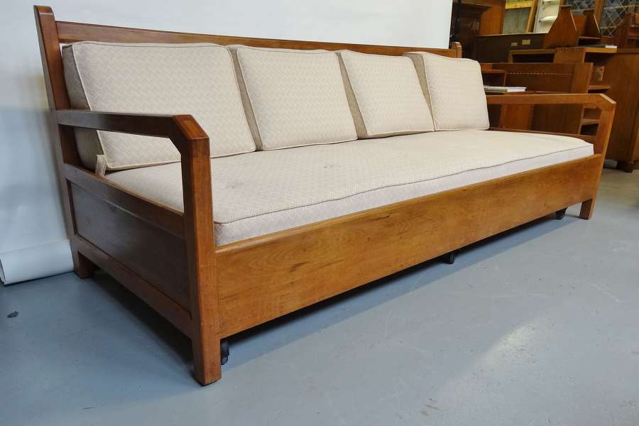 Edward Barnsley Cotswold School Arts & Crafts long settle day bed