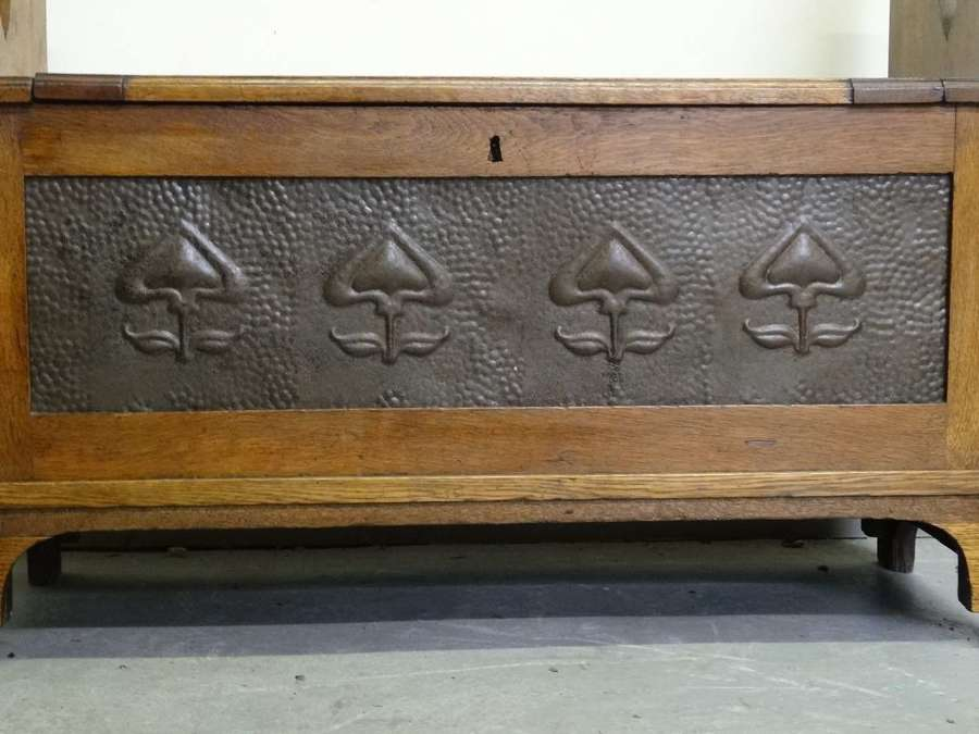 Arts & Crafts Liberty oak and metal panel hall settle